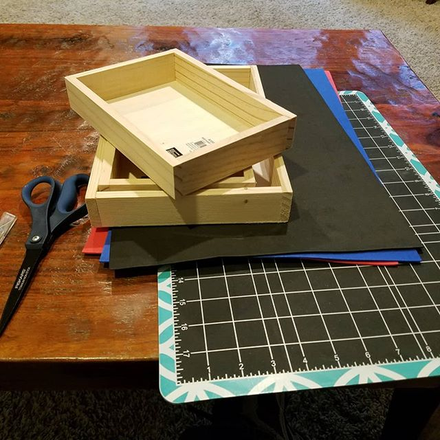 quick and dirty dice trays using pine boxes and foam sheets from the craft store